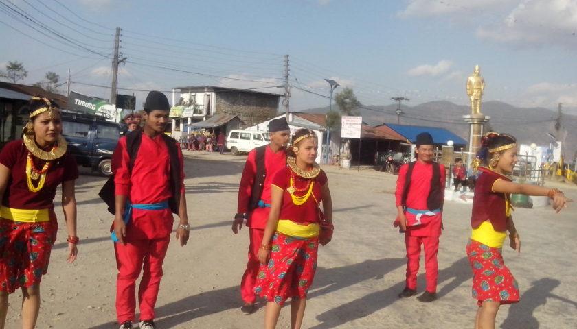 Festiwal Holi w zimnym Bhedetar