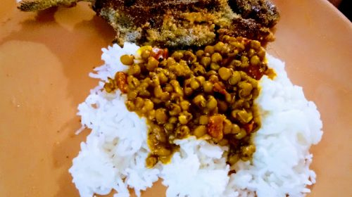 Sabut moong daal curry