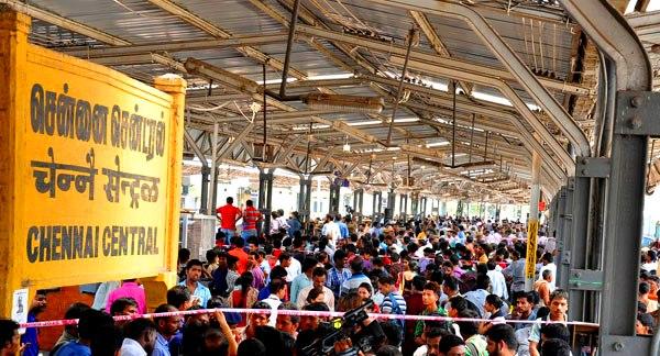 Chennai Central: w oczekiwaniu na opóźniony ekspress