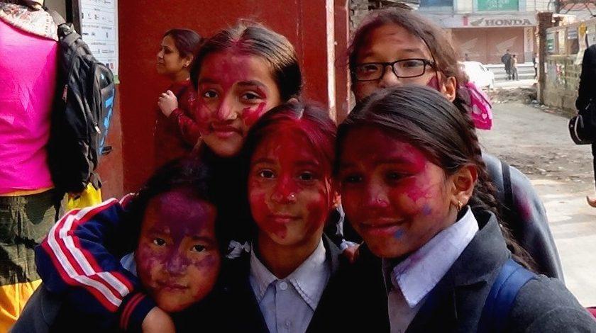 Nepal: festiwal Holi czyli Phagu Purnima