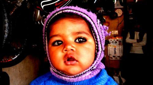 Dlaczego hindusi malują oczy dzieciom