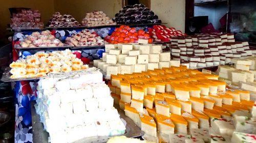 Świętowanie Nepali New Year: nepalskie słodkości