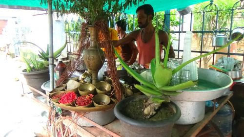 Puri: sklep herbaciany pana Prasana Das