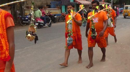 Orissa: pielgrzymka pomarańczowych ludzi