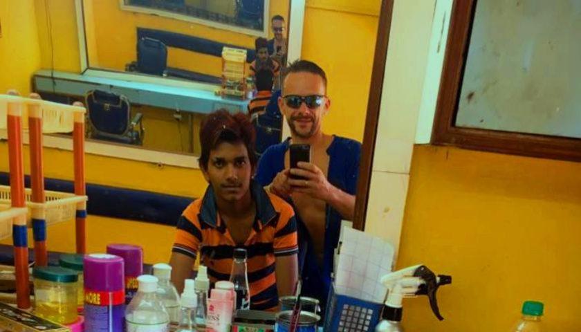 Indie: wizyta u fryzjera