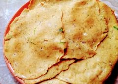 Recipe for pancakes with legumes perfect for lunch.