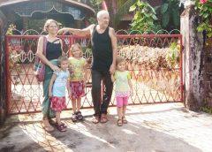 Семья Волковых путешествует по миру