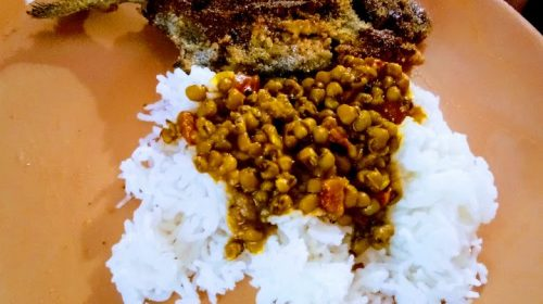 Sabut moong daal curry